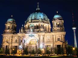 Горящие туры в отель Берлин-Краков-Варшава  от  15 eur , автобусный тур *