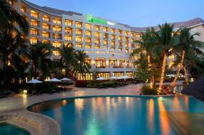 Горящие туры в отель Holiday Inn Resort Sanya Bay 5*, Санья, Китай