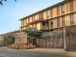 Горящие туры в отель The Long Beach Resort 3*, Коггала, Шри Ланка
