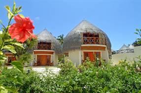 Горящие туры в отель Bandos Island Resort 4*, Мале, Мальдивы