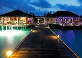 Горящие туры в отель Centara Grand Island Resort & Spa 5*, Мале, Мальдивы