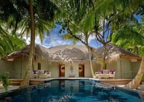 Горящие туры в отель Dusit Thani Maldives 5*, Мале, Мальдивы
