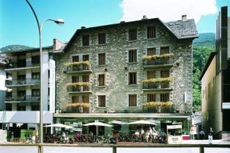 Отель L'isard 3*,  - фото 1