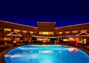 Отель Golden Tulip Dibba 4*+ Holiday Inn Bur Dubai 4*, , ОАЭ - фото 1