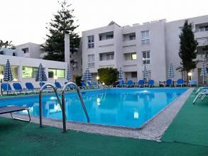 Отель Daphne Hotel 3*, Пафос - фото 1