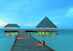 Отель Vilu Reef Beach & Spa Resort 4*, Мале, Мальдивы - фото 1