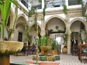 Отель Марокко, Эс-Сувейра, Riad Almadina 2 *, ,  - фото 1