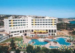 Горящий тур Melissi Beach 4 *, Айя Напа, Кипр - купить онлайн