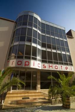 Отель Tropics 3*,  - фото 1