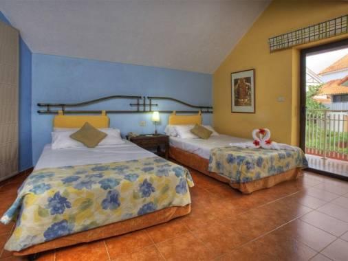 Отель Breezes Bella Costa 4*,  - фото 7