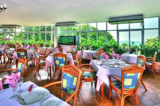 Отель Breezes Bella Costa 4*,  - фото 5