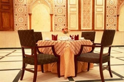 Отель Crown Palace Hotel 3*,  - фото 5