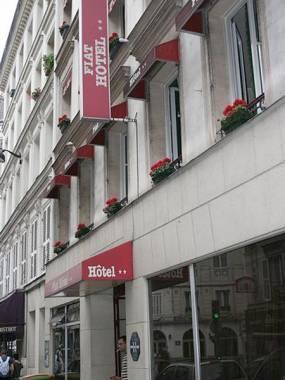 Отель Fiat / Weekend , Экскурсионный тур - Франция, Франция 2*,  - фото 1