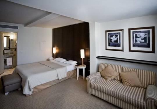 Отель Le Pera / Weekend 4, Экскурсионный тур - Франция, Франция 4*,  - фото 1